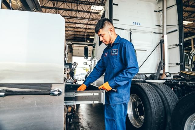 UC Truck Repair Shop-14-1