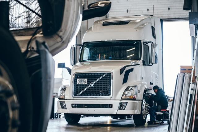 UC Truck Repair Shop-29-1