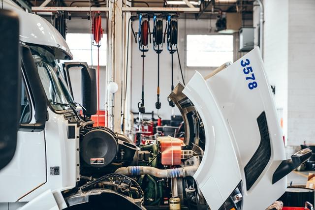 UC Truck Repair Shop-32-1